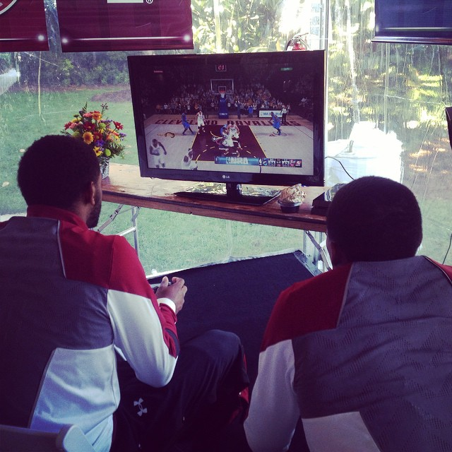 Getting in some friendly competition during a break @tyjohnson_4 @s_thornwell0 #SECTipoff15 #Gamecocks